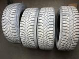 Покрышки Bridgestone Ice Cruiser 215/65 R16 зимние, шипованные б/у